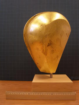 "Gold ""Head Form"" and base"