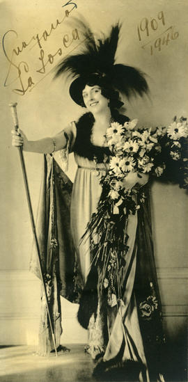 Photograph of Geraldine Farrar (in costume)